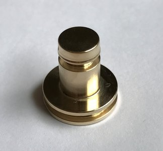 Huma regulator piston